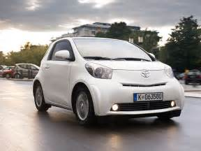 Toyota iQ micro-sized car now available in Oz